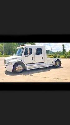 Freightliner M2 SportChassis - Race Hauler Horse Toter clean and low miles