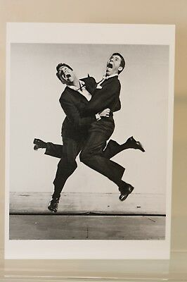 DEAN MARTIN and JERRY LEWIS,1951 by Philippe Halsman, Kunst - Postkarte