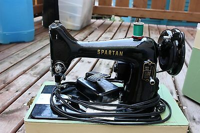 Vintage Portable Singer Spartan 192K Sewing Machine Green Case Home Decor Workin