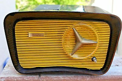 Vintage Hallicrafters Model HT203 Table Radio Yellow Brown Plug In Home Decor