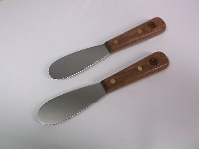 Lot of (2) Williams Sonoma 3.5in Scalloped Sandwich Spreader Rosewood Handle NEW