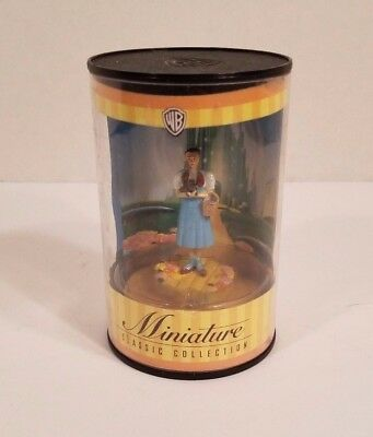 Warner Brothers Wizard of OZ Miniature Classic Collection DOROTHY AND TOTO