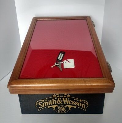 Smith & Wesson Knife Showcase Counter Top Table Top Display Case
