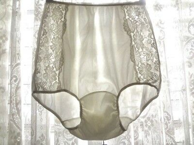 Lovely Vintage 50's VANITY FAIR  Nylon Panties w/ Lace Accent