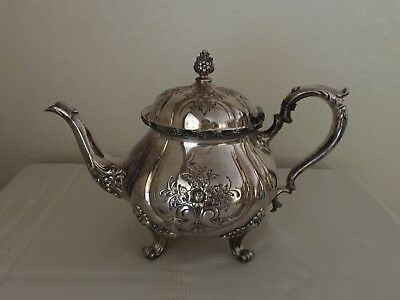 Wilcox International Silver Co. Du Barry Chased Silverplated Tea Pot 7069