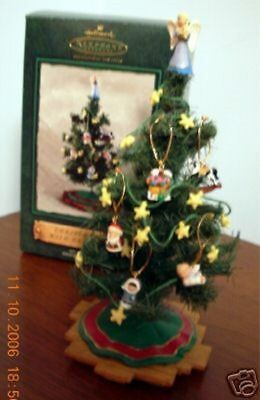 2002 Hallmark Miniature Ornament CHRISTMAS TREE WITH DECORATIONS Set of 8 pieces