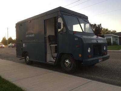 1987 Chevrolet P20 Step Van Auto Diesel 58K Build a Food Truck or???
