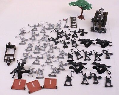Lot of 50 Vintage Revell Plastic Toy Army Men French Knights Grey & Black Catapu