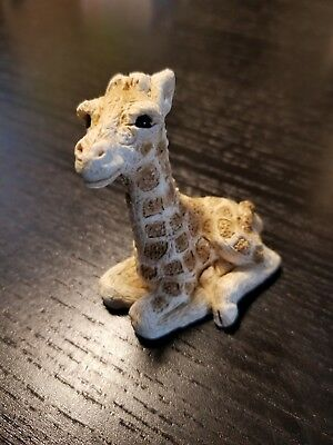 baby Giraffe laying 1988 Stone Critter Littles SCL-008 ceramic figurine rare