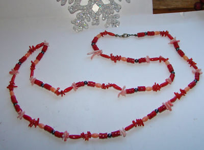 Vintage Pretty Pink & Red Glass Beaded  Necklace