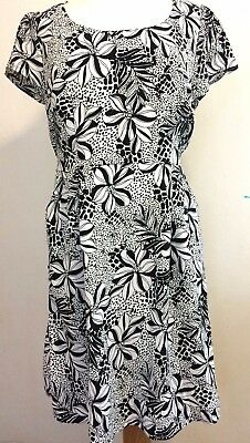 Vintage Style Womens Dress Black White Floral Size M 12 Retro Tailored