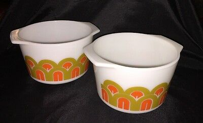 VTG 70's Pair of PYREX DESIGNS ART DECO ARCHES FISH SCALES BOWLS  343 1-1/2 Qt