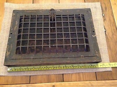 Vintage Cast Iron Heat Grate / Register