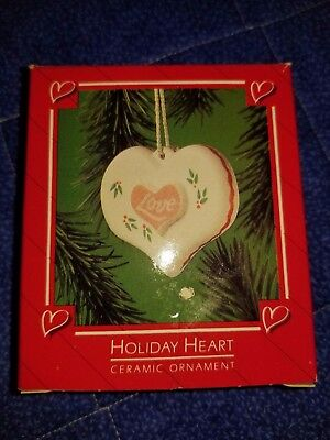"VINTAGE 1991 CHRISTMAS HALLMARK ORNAMENT, ""Holiday Heart"" ~NIB"