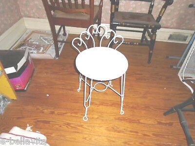 *VINTAGE 1950 Hollywood Regency Metal Scrolled Wire Vanity chair, RARE*