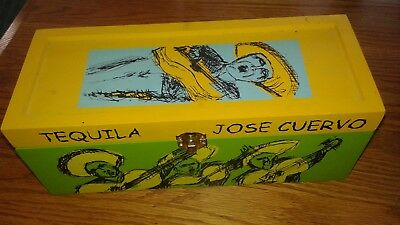 Collectible 2001 Jose Cuervo Reserva wood box LA FAMILIA Collectors
