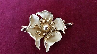 Vintage Crown Trifari Gold Textured Flower Brooch/pin...signed