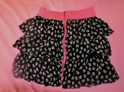 GIRLS BLACK RUFFLED SKIRT WITH Skulls Hot Pink Band  SIZE 16 My Sisters