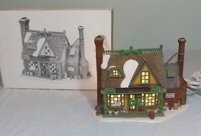 Dept 56 East Willet Pottery New England Village Series Christmas Display #56578