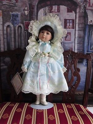 Beautiful '' Angelina Visconti '' Serie 1997 Vintage Porcelain Doll
