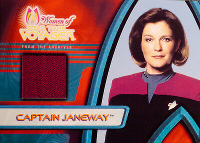 STAR TREK Voyager - The Women of Voyager - Captain Janeway Costume Card F2