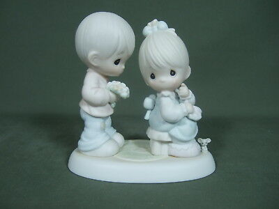 Vintage 1995 Precious Moments Inc. Figurine (My Love Blooms For You)