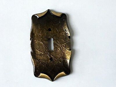Vntg. Amerock Brass Single Light Switch Plate Carriage House Antique English 5c
