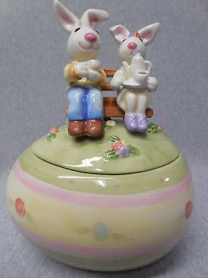 Fitz & Floyd Easter Eggspressions with Bunny Rabbits Covered Candy Dish m407