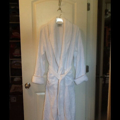 Williams Sonoma White with Taupe Piping Robe Unisex size Large check measurement