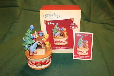 "2005 Hallmark Disney ""Getting Ready For Christmas"" Pooh MOTION, SOUND MUSIC BOX"
