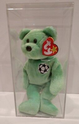 Green Soccer kicks TY BEANIE BABIES With ERRORS And Storage Case. Plush RARE!