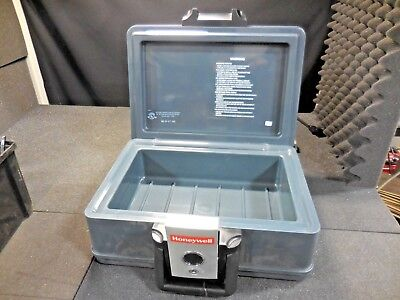 Honeywell BB-871,368 Fire-Resistant Protective Lock Case (NO KEY)