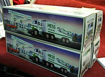 14 Pc. Group Of Hess Trucks From 1988 - 2006 - 10 Diff. + Bonus Truck - Nice