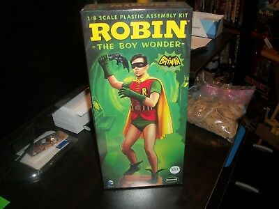 Robin The Boy Wonder Plastic Model Kit   Sealed!!!!