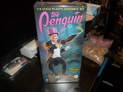 Penguin Model Kit --Sealed!!!