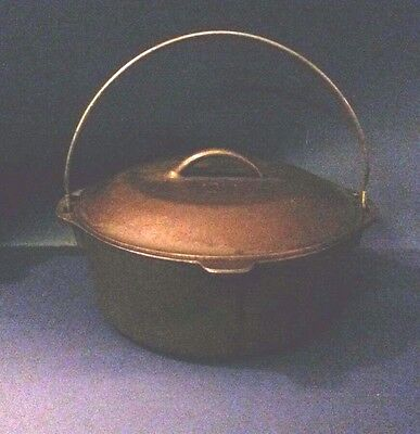 Vintage Unmarked Lodge Dutch Oven #8 With Self Basting #8 Lid