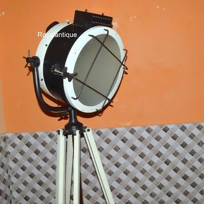 New Design Searchlight With Cream Tripod Stand Electric Floor Spotlight Stand