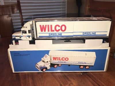Vintage 1988 Wilco Gasoline Tractor Trailer Toy Truck Bank(Ab)