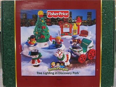 Fisher Price Little People Tree Lighting In Discovery Park *brand New Dated 2004