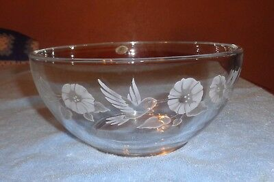 """Avon Thick Clear Crystal Glass 8"""" Hummingbird Collection Serving Bowl"""