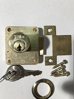 RIGHT HAND Quality Yale Cupboard Lock Brass sprung Catch Garages Lockers Cabinet