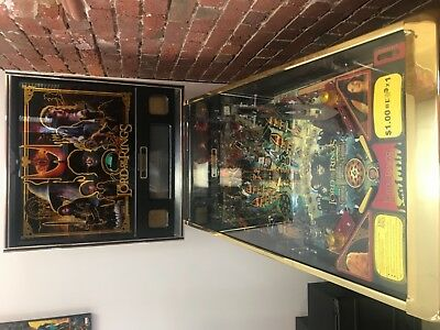 500 Game Gold Limited Edition, Lord of the Rings pinball machine.