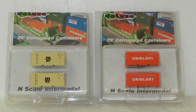 4 x Deluxe Innovations N Scale Uniglory/MSC 20' Corrugated Containers