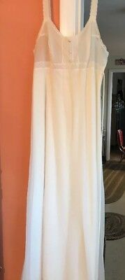 Vintage Vanity Fair Ivory Long Nightgown Size 34 2 Layers Nylon W/lace Trim Usa