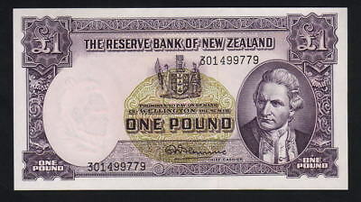 NEW ZEALAND P-159d(L). (1967) 1 Pound - Fleming. Last Prefix 301..  UNC
