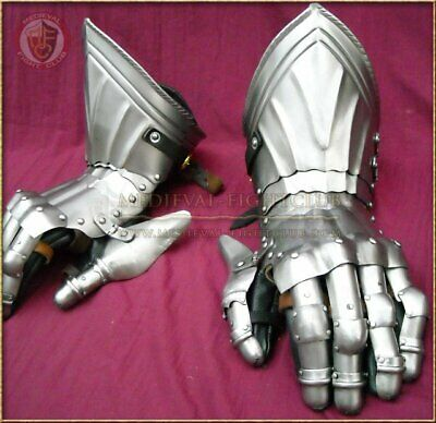 Gothic Fluted Gauntlets - Large
