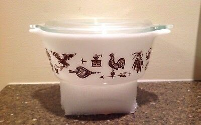 VTG Pyrex Brown on White Americana #472 Casserole 1 1/2 QT with Lid 470-C