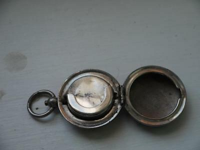 WORKING 1900c ANTIQUE SILVER PLATED SPRING Sovereign HOLDER CLIPS SHUT NICELY