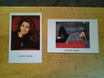 Set of 2 Shania Twain post cards  (unused)
