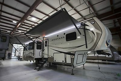 Montana 3130RE Rear Living 5th Wheel, 18 CU FT RV Fridge, Dinette with 4 Chairs